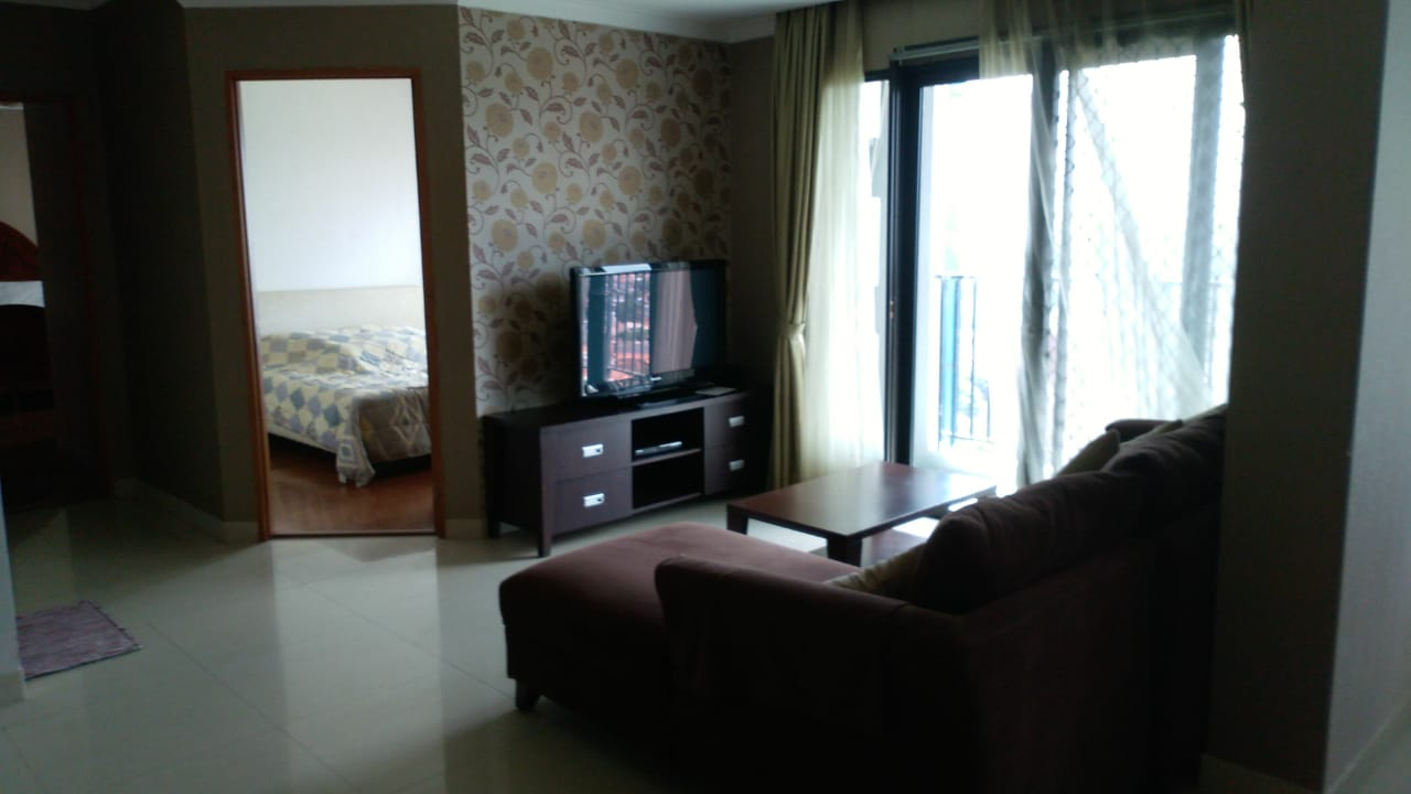 For rent 3 bedrooms 180sm